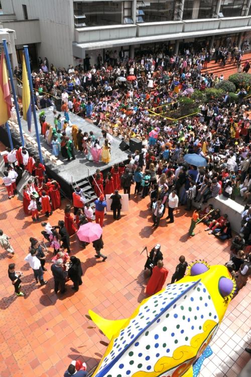 Como cada año el CCEE Reyes Católicos lleno hasta la bandera por Carnaval (Fotografía Juan Francisco Zuleta Orjuela)
