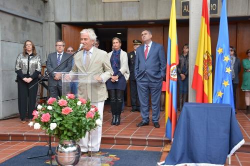 El Embajador de España, Ramón Gandarias Alonso de Celis, declaró inaugurado el curso 2015-16